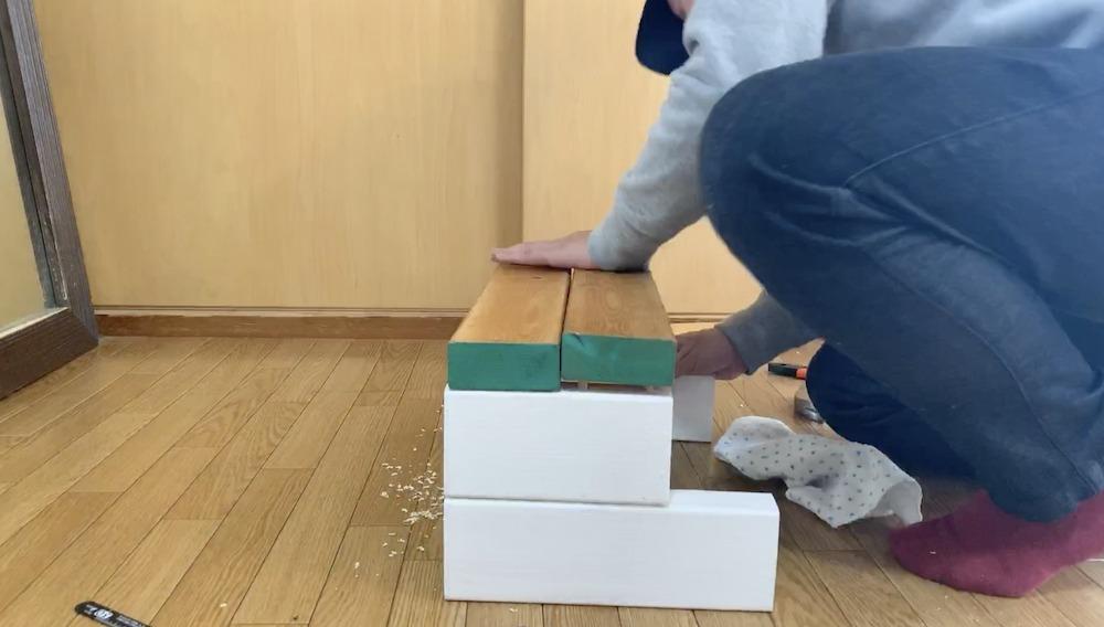 2×4で作る子ども用踏み台DIYダボ難しい