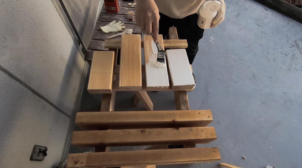 2×4で作る子ども用踏み台DIY塗装